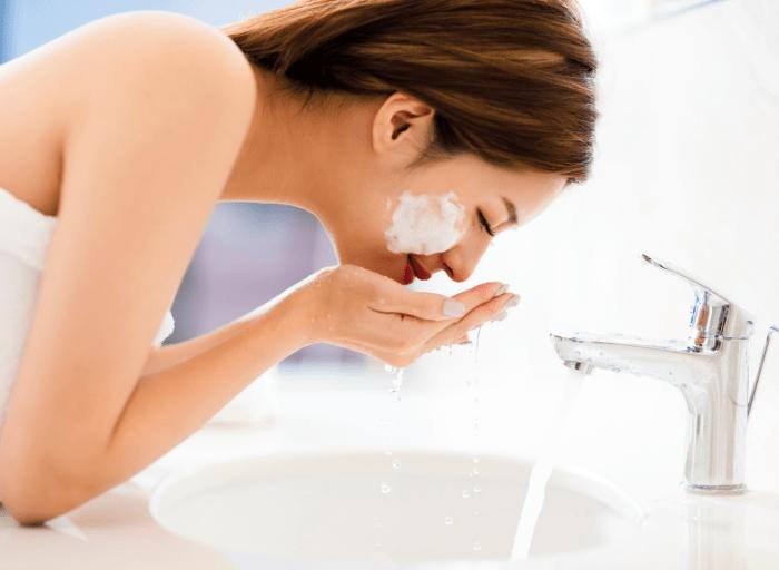 Perfekcyjna skora zacznij od prawidlowego oczyszczania2 Perfekcyjna skóra   zacznij od prawidłowego oczyszczania
