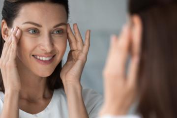 Skóra wokół oczu - jakie zabiegi pomogą w odmłodzeniu i rewitalizacji?
