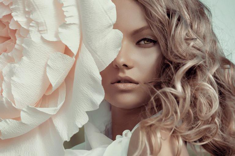 Zabiegi kosmetyczne i laserowe, które warto wykonać zimą i jesienią