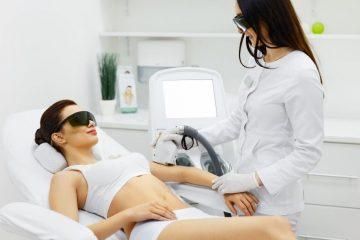 Dlaczego należy unikać substancji światłouczulających przed rozpoczęciem terapii laserowej?