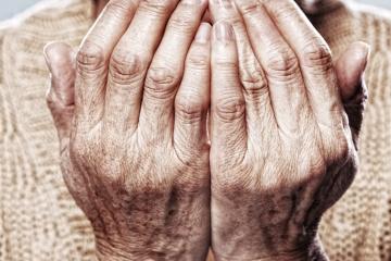 Starzenie, przebarwienia, suchość? Powiedz im stanowcze NIE i zadbaj o swoje dłonie!