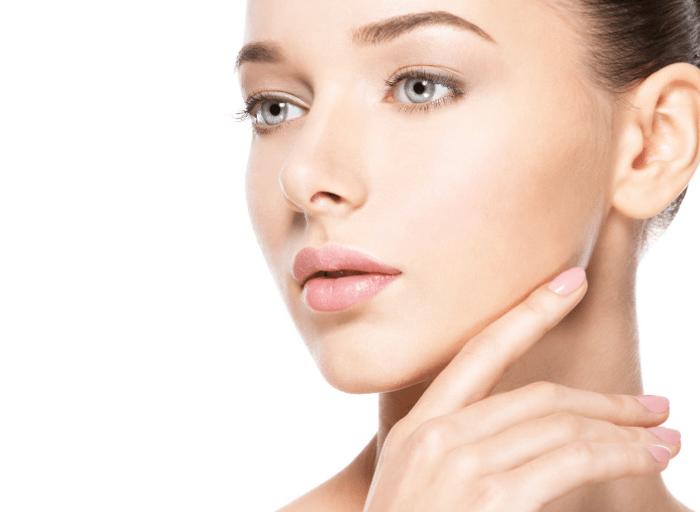 Brązowe plamy na skórze twarzy i brzucha – rodzaje i sposoby usuwania