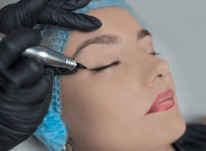 Permanent eyeline and lip lines – what should you know before the procedure?
