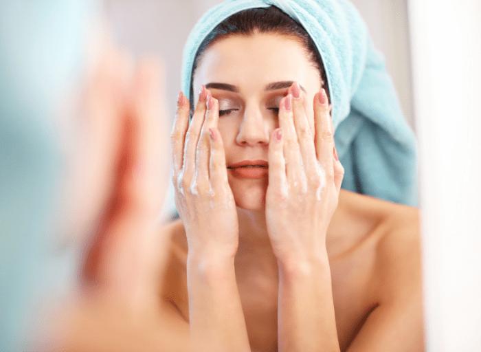 Jak prawidłowo oczyszczać skórę twarzy – to must have pielęgnacji!