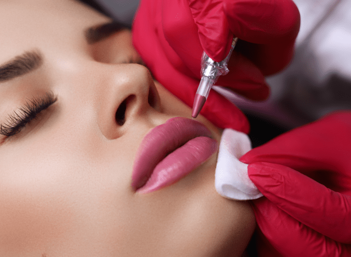 Makijaz permanentny ust. Dlaczego warto go wykonac Permanent lip makeup   why should it be done?