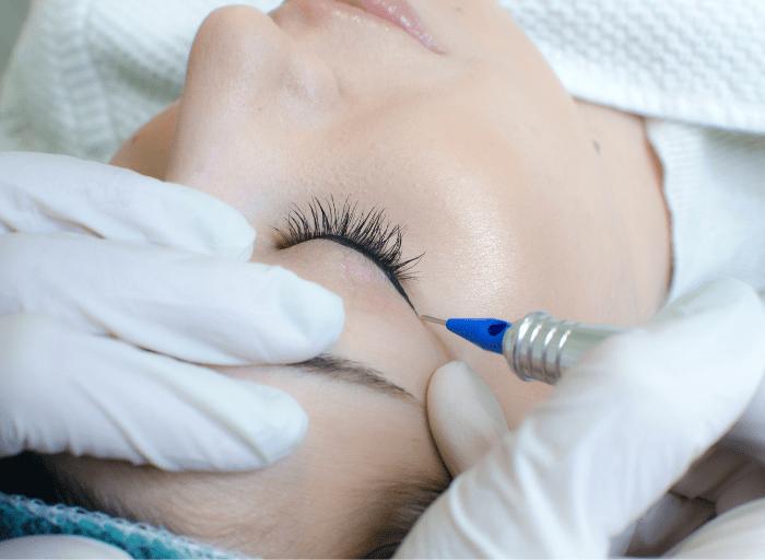 Metody wykonywania makijazu permanentnego Methods of permanent makeup application