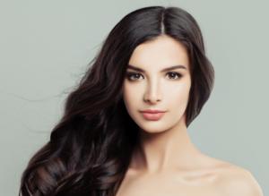 Poznaj niezwykle skuteczne zabiegi na twarz, które odmienią Twój wygląd.