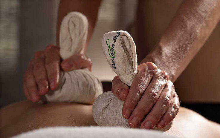 herbal-stamps-massage
