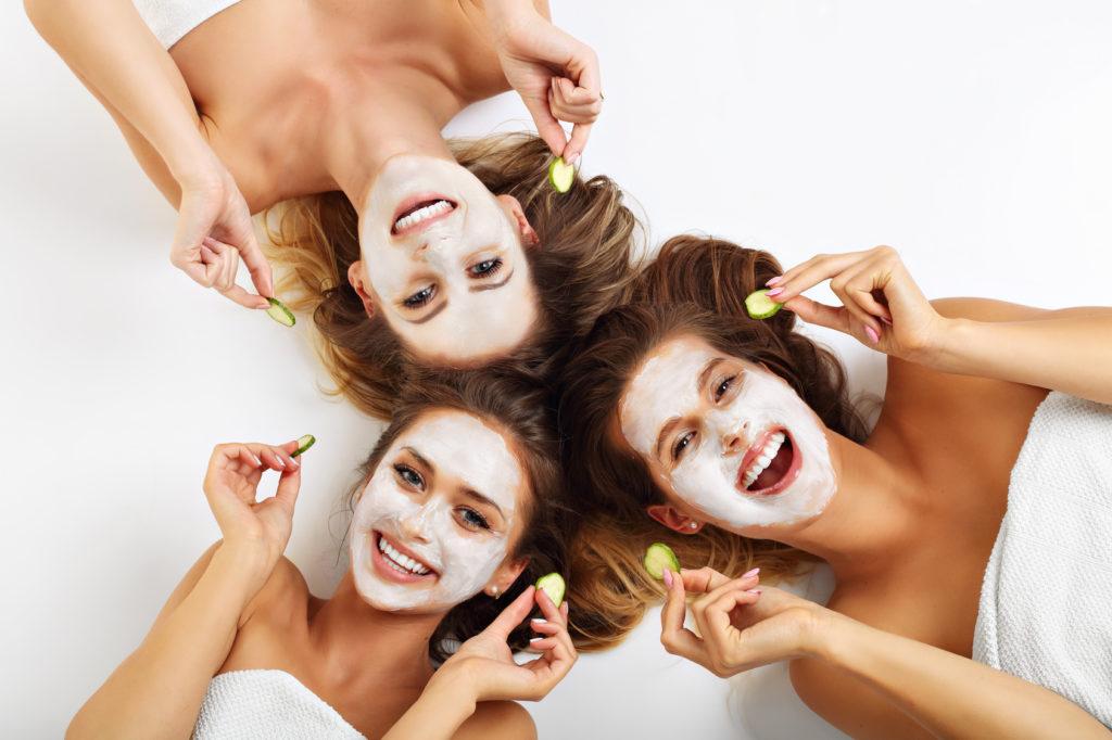 oczyszczanie twarzy 1024x682 Oczyszczane twarzy u kosmetyczki bez tajemnic
