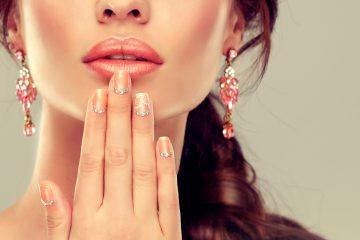 Manicure klasyczny, japoński, hybrydowy czy żelowy  – co wybrać, by cieszyć się pięknymi paznokciami?