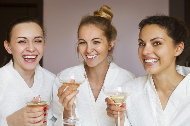 3 pomysły nawieczór panieński wSPA orazprezent dla dwojga