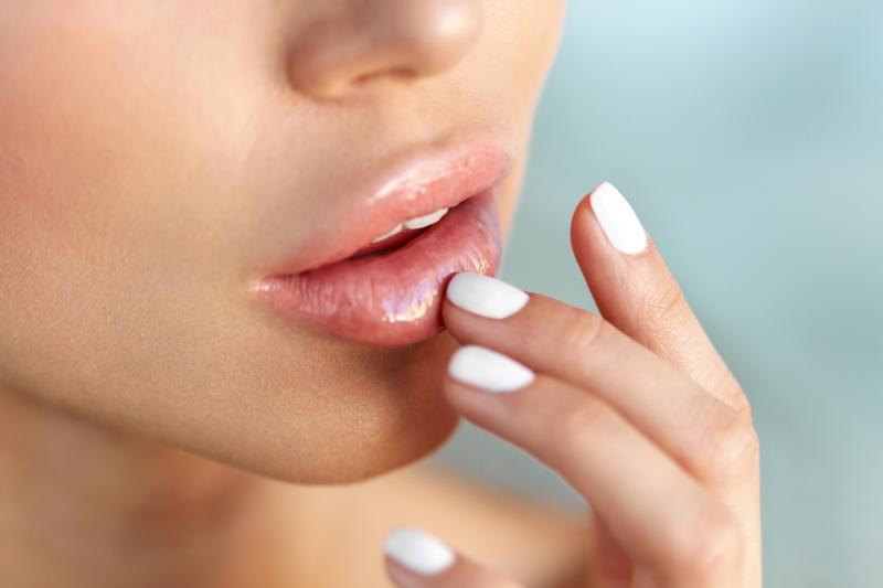 12319057 nawilone1 usta Powiększanie ust – 8 rzeczy, które warto wiedzieć