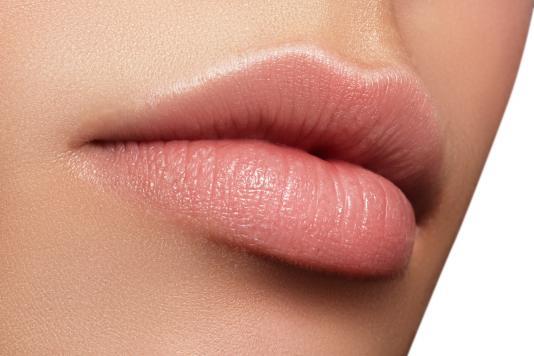 Powiększanie ust – 8 rzeczy, które warto wiedzieć