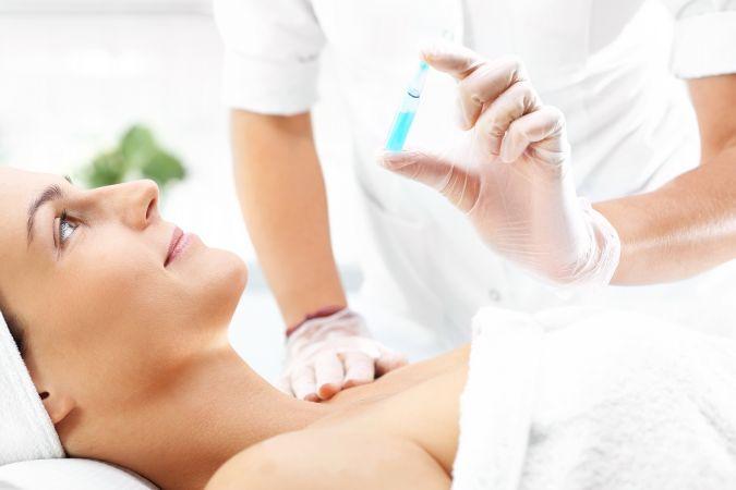 mezoterapia Zabieg mezoterapii igłowej   odżywcza bomba dla włosów i skóry