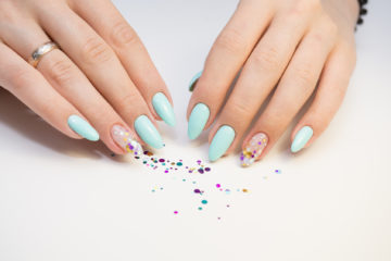 Discover the types of manicures. Let your hands be your business card!