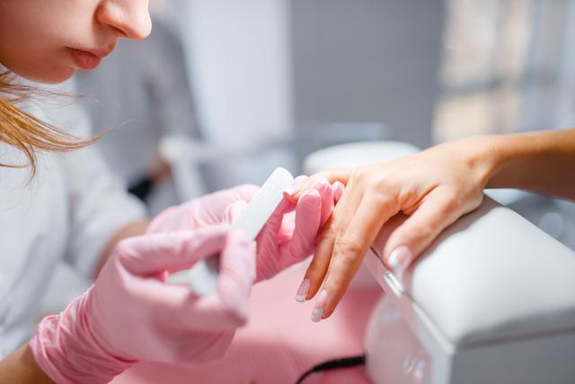 zabieg mani dlonie Skuteczna regeneracja dłoni   przyjemne ukojenie skóry
