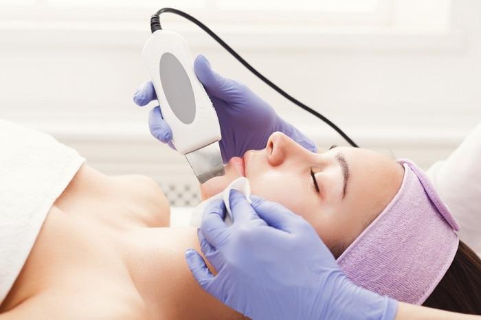 Na czym polega oczyszczanie twarzy u kosmetyczki1 Na czym polega oczyszczanie twarzy u kosmetyczki?